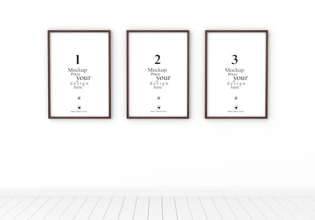 Три пустые фоторамка макет в пустой белой комнате, шаблон psd.