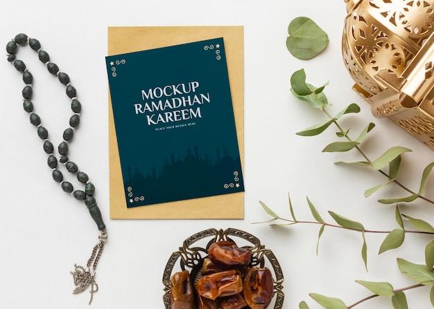 Ramadan kareem con mockup di piante