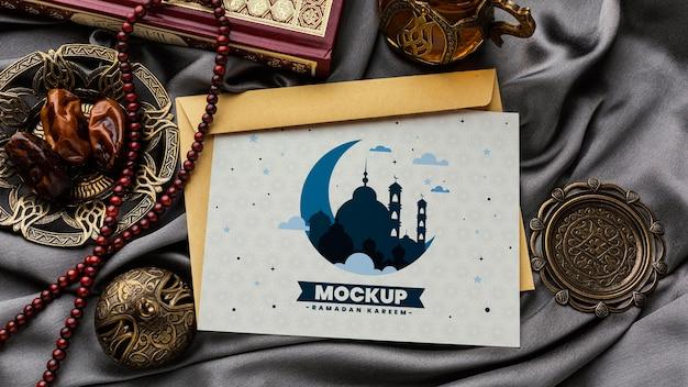 Mockup di stampa ramadan piatto lay