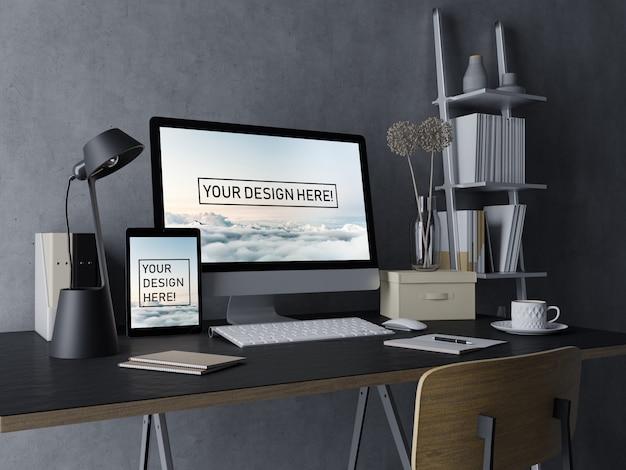 黒の現代屋内ワークスペースで編集可能なディスプレイとデスクトップpcとタブレットのモックアップデザインテンプレートを使用する準備ができて