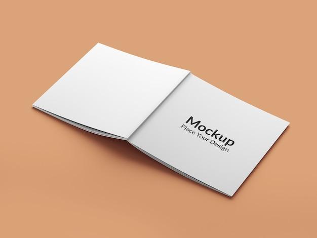 リアルな素晴らしい正方形のパンフレットのモックアップ
