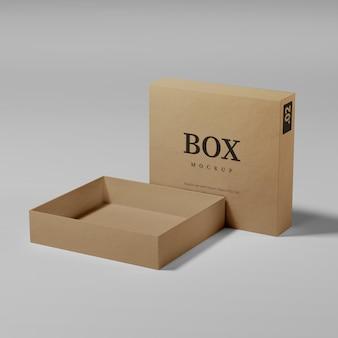 고립 된 현실적인 골 판지 상자