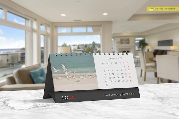 リアルな卓上カレンダーのモックアップデザイン