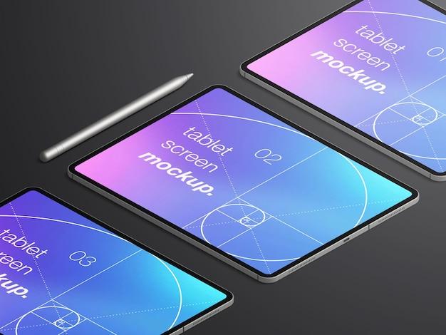 스타일러스 연필로 태블릿 장치 화면으로 격리 된 현실적인 아이소 메트릭 모형