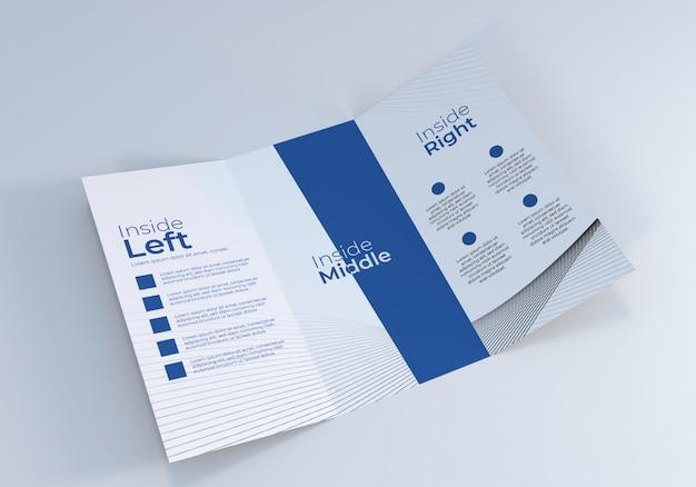 現実的なオープン3つ折りパンフレットのモックアップ
