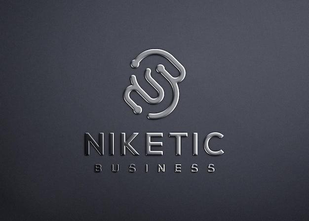 Реалистичный серебряный металлический 3d дизайн макета логотипа