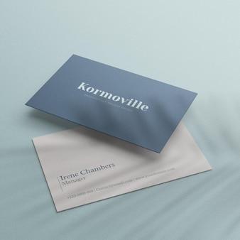 Реалистичный простой макет визитки с теневым листом