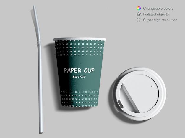 蓋とカクテルストローで現実的な上面紙コーヒーカップモックアップ