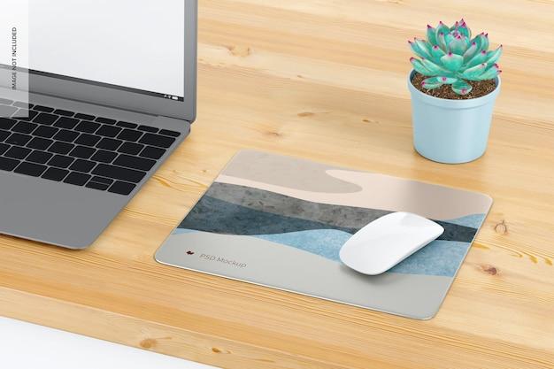 Прямоугольный алюминиевый коврик для мыши на макете стола