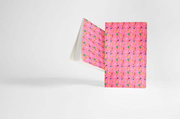 Макет красной брошюры