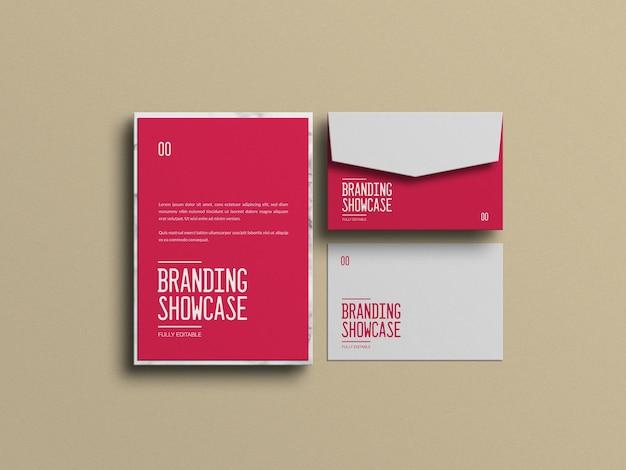 Красный бланк с макетом конверта
