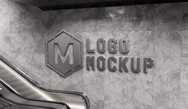 Светоотражающий логотип на стене станции метро, макет
