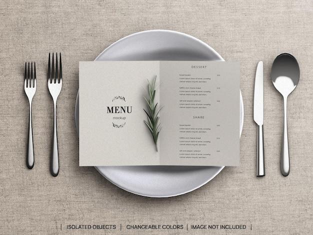 レストランのフードメニューのコンセプトのモックアップと食器を使ったシーンクリエーター