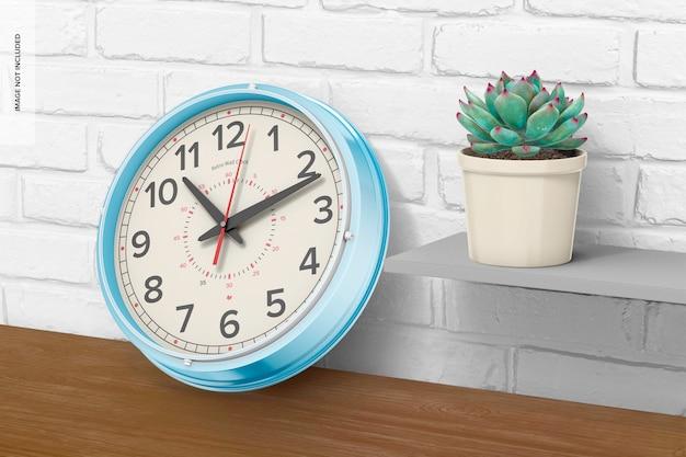 レトロな壁時計のモックアップ、傾いた