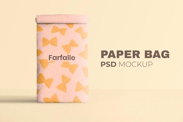 Mockup di sacchetto di carta riutilizzabile psd arrotolato nel modello di pasta
