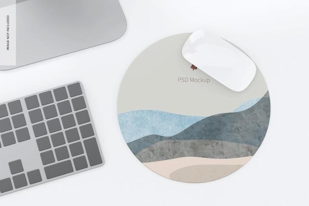 Мокап круглого силиконового коврика для мыши 02
