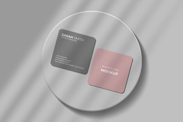 Макет квадратной визитки с закругленными углами и тенями