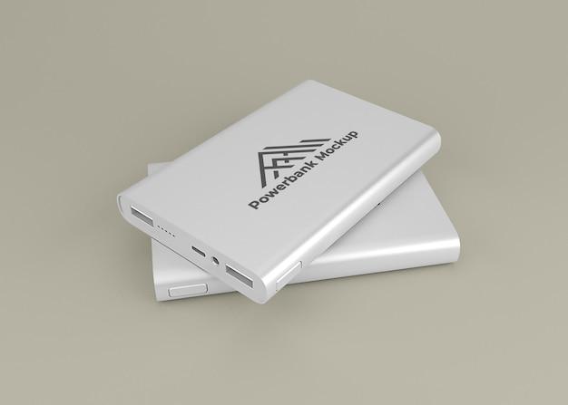 丸みを帯びたシルバーのパワーバンクデバイスのモックアップ Premium Psd