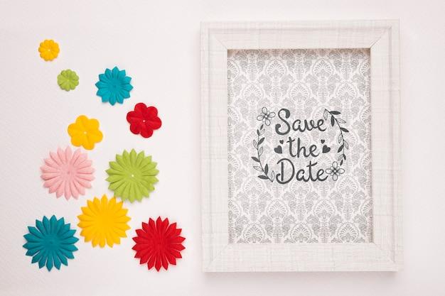 Сохрани дату макет современной рамы и цветной дизайн бумаги