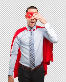 彼の目を覆う恐怖のスーパービジネスマン