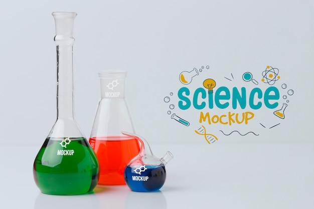 Компоновка элементов науки с макетом стены