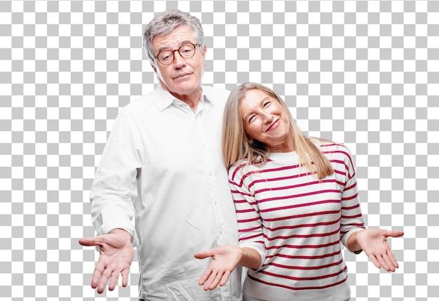 어리 석고 혼란스러운 표정으로 시니어 멋진 남편과 아내