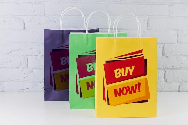 다른 색상의 쇼핑백 모형 무료 PSD 파일