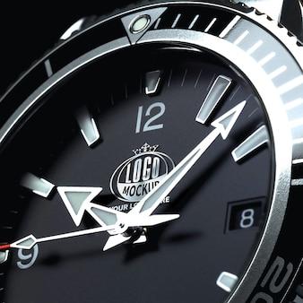 Серебряный 3d логотип макет встроен в часы