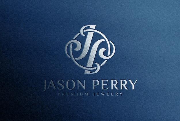 Мокап с логотипом из серебряной фольги