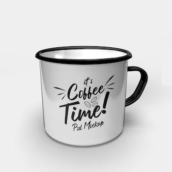 Одиночная металлическая питьевая кофейная кружка для кемпинга в классическом стиле, изолированный макет