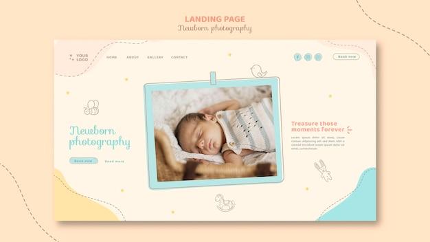 Modello di pagina di destinazione del bambino assonnato a casa
