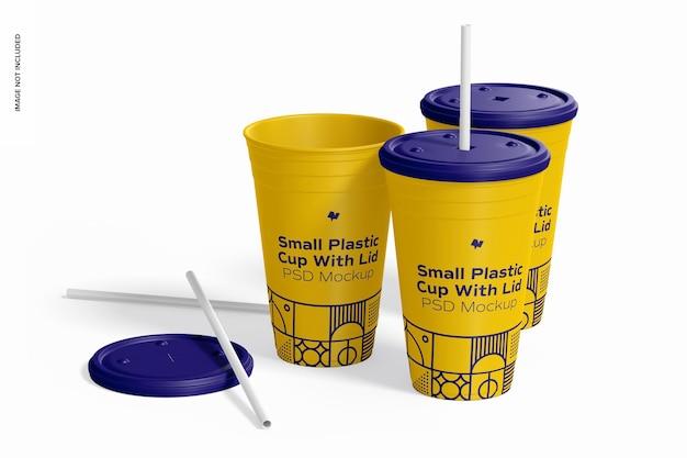 Маленький пластиковый стаканчик с крышкой, макет