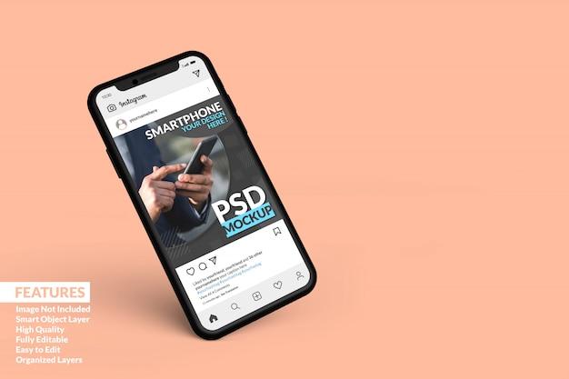 スマートフォンのモックアップがフローティングして、ソーシャルメディアの投稿テンプレートプレミアムを表示します