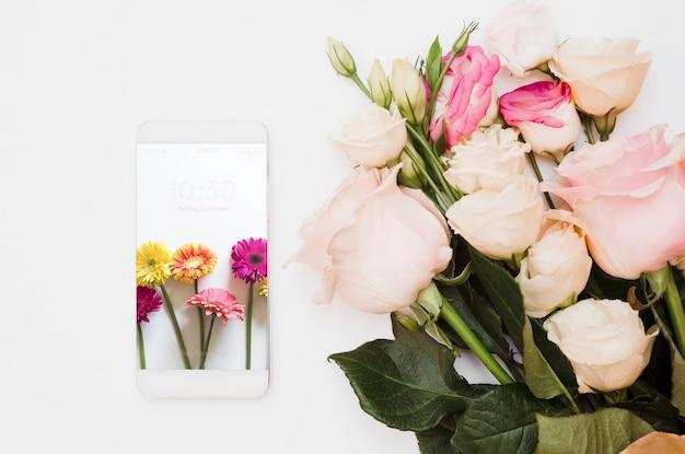 Смартфонский макет с цветочным декором
