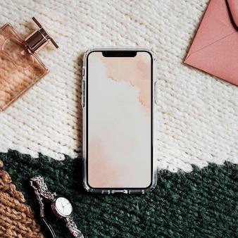 Banner social sullo schermo dello smartphone