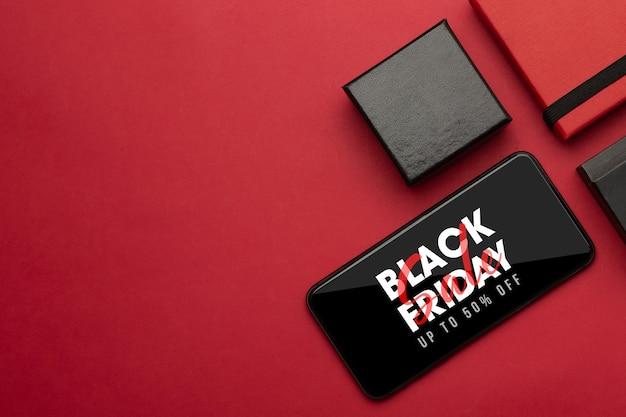 화면 모형에 검은 금요일 캠페인이있는 스마트 폰