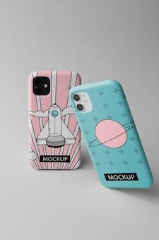 ケースミニマルなデザインのモックアップを備えたスマートフォン