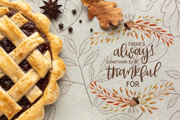 추수 감사절을 위해 준비된 맛있는 파이를위한 특별 준비
