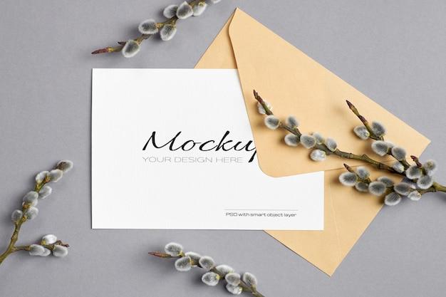 봉투와 음부 버드 나무 나뭇 가지와 봄 인사말 카드 모형