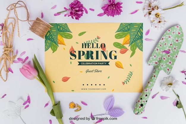 카드와 삽 봄 이랑