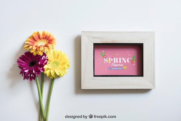 프레임과 아름다운 꽃과 봄 모형