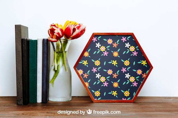 Весенний макет с шестиугольной рамкой и вазой с цветами