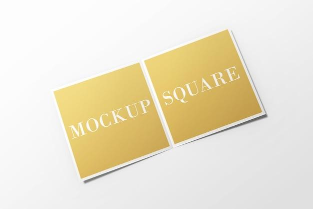 分離された正方形の二つ折りパンフレットのモックアップ