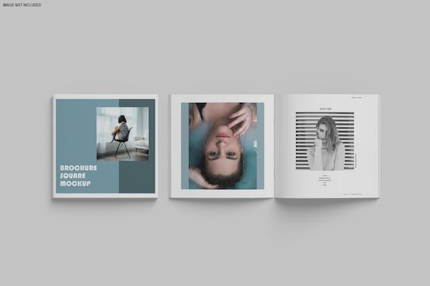 分離された正方形のパンフレットとカタログのモックアップ