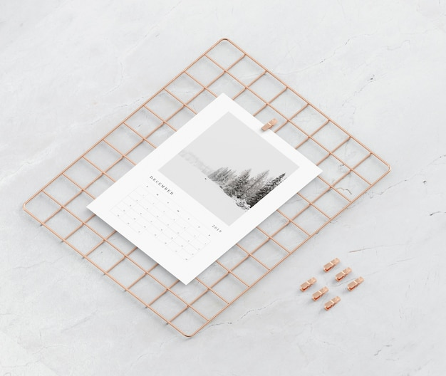 Squared metal support for calendar mock-up
