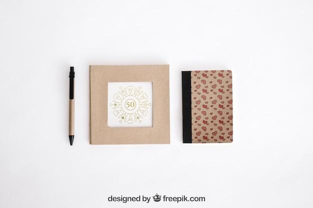 文房具のボール紙のコンセプト