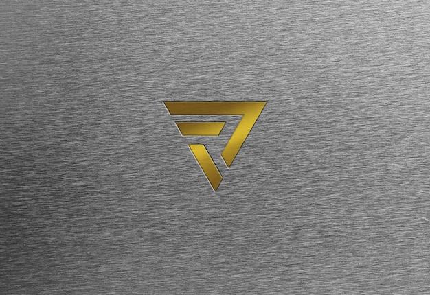 Стальная текстура золотой логотип макет