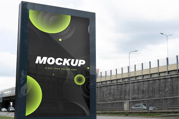 Modello di cartellone stradale per la promozione