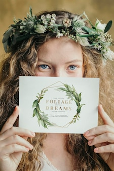 カードのモックアップと夏の花嫁