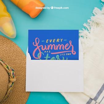 Летняя концепция с открыткой